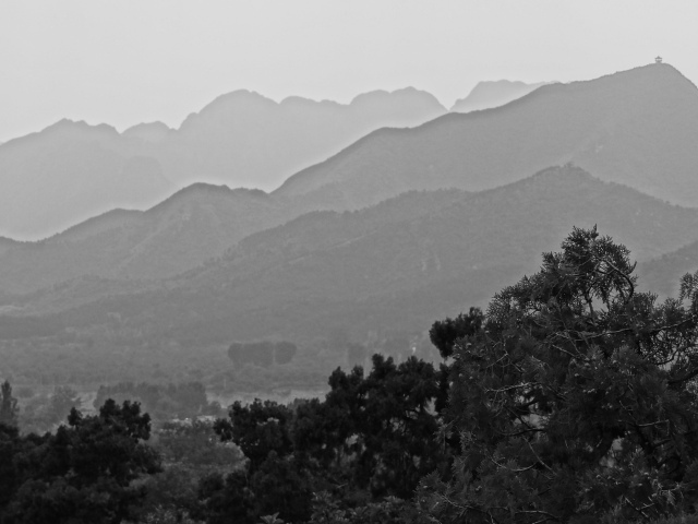 B&W Mountains